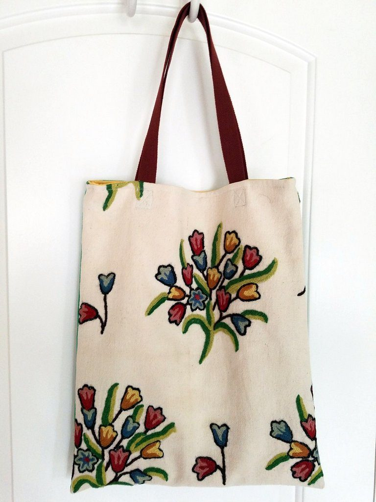 Spring flower tote front